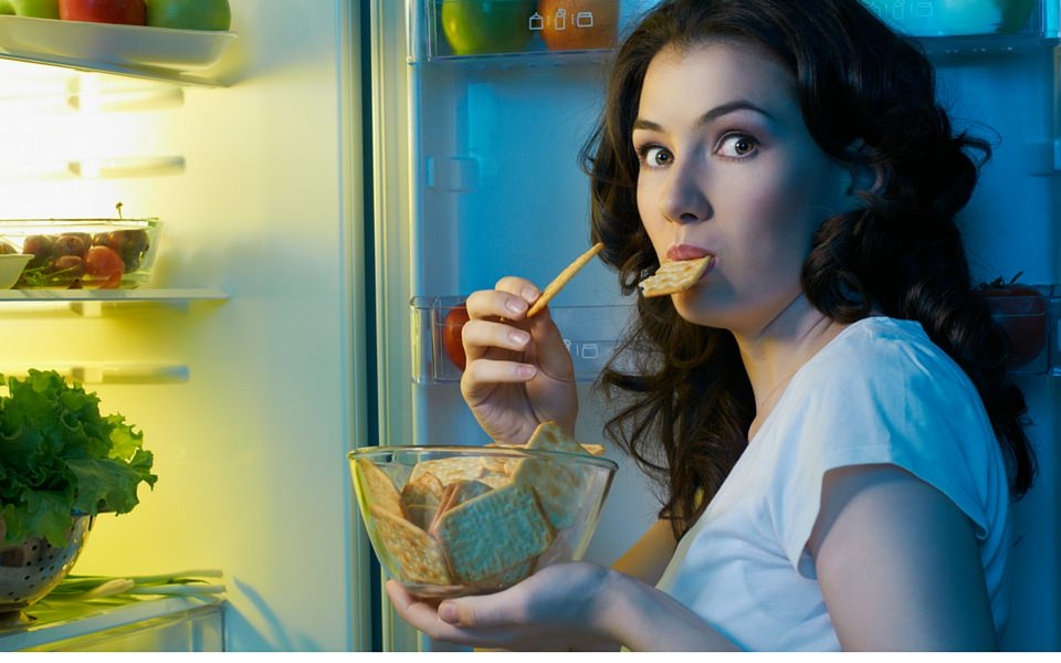 12 Ways to Manage Food Cravings at Night