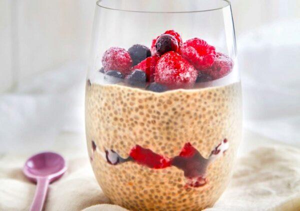 All natural sugar-free choc-berry chia pudding
