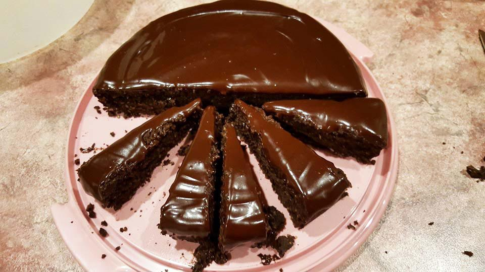 Healthy Chocolate Pumpkin Mud Cake With Chocolate Ganache