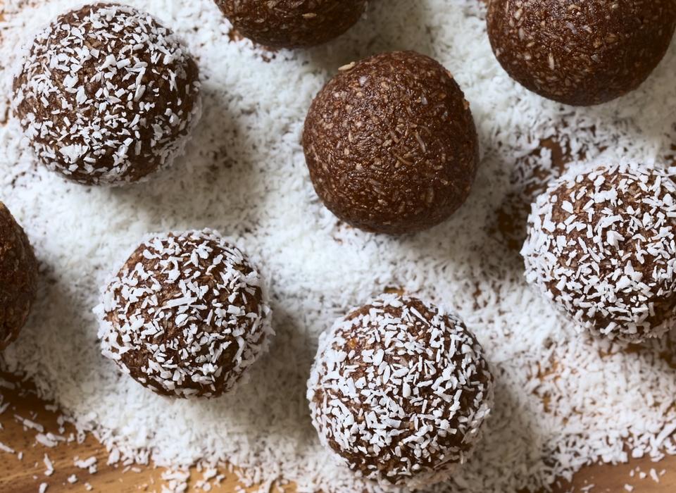 Raspberry Cheesecake Protein Bliss Balls