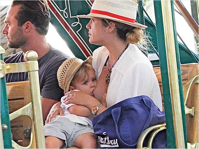 Breastfeeding Celebs