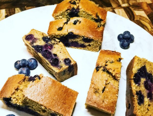 Ditch the shop bought cakes and try this healthy, homemade blueberry tea cake