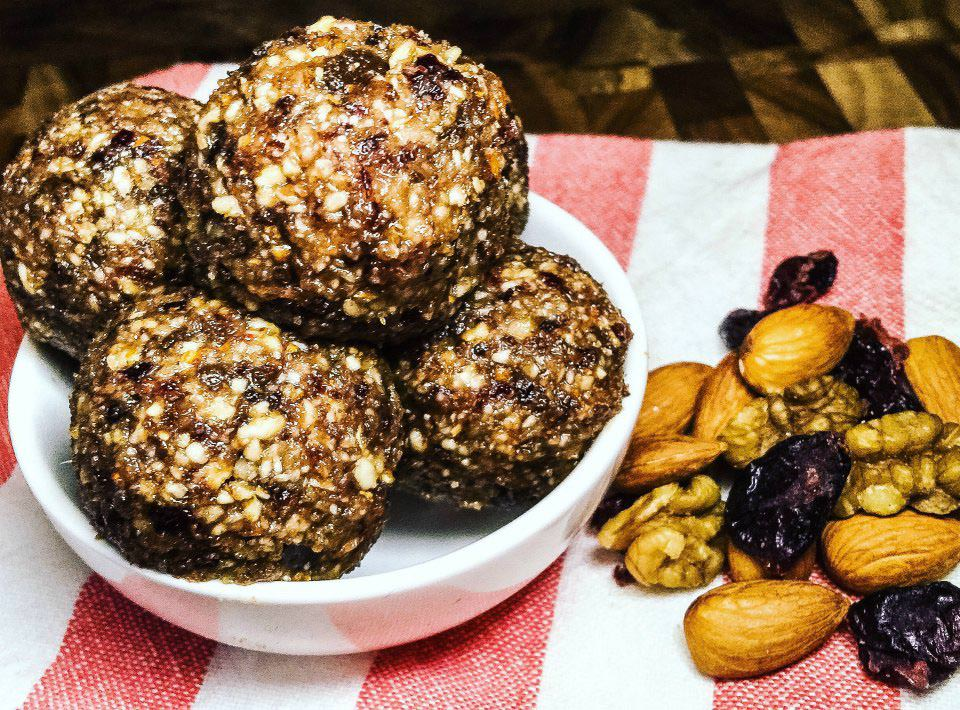 Sticky Fruit and Nut Balls
