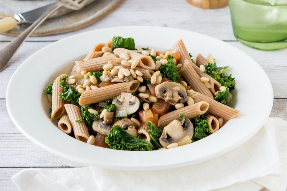 mushroom, kale and pinenut pasta