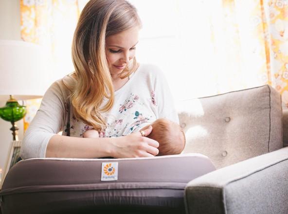 ergobaby nursing lifestyle breastfeeding pillow