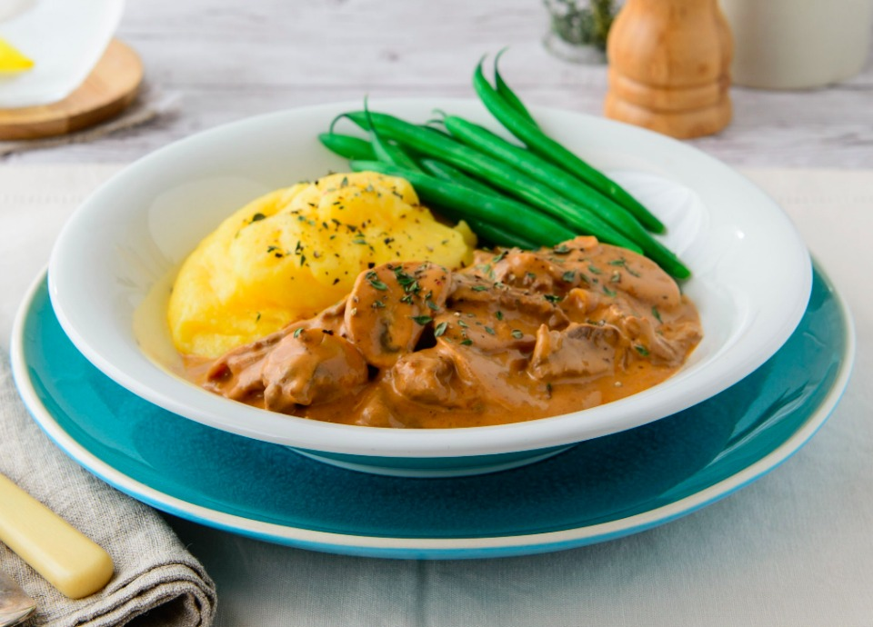 10 hearty and healthy guilt free winter dishes to help weight loss one pot beef stroganoff forumfinder Gallery