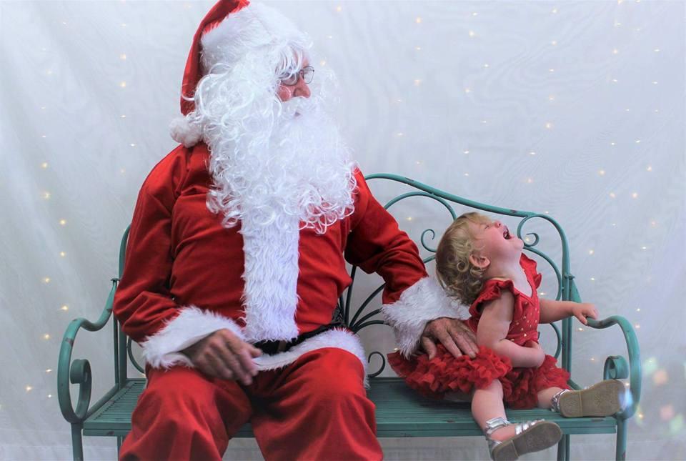 Hilarious 'Santa photo' fails guaranteed to make you smile!