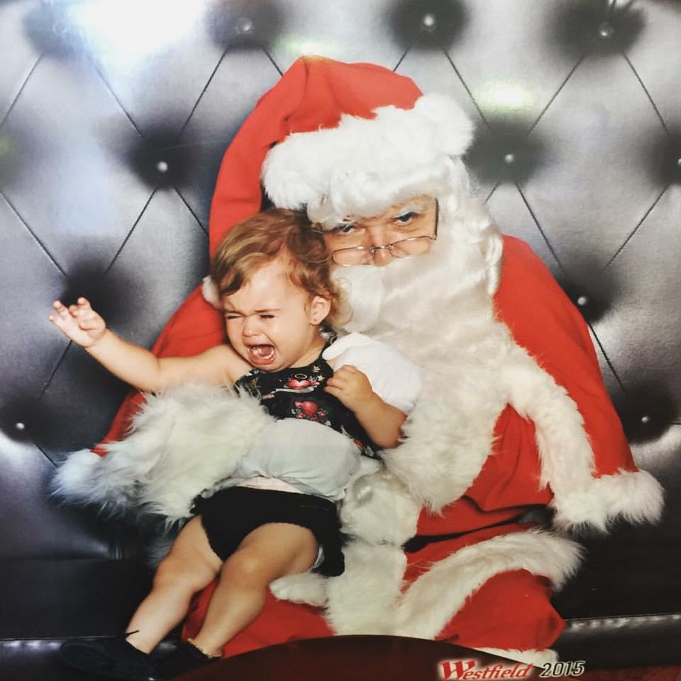 Loren-Ashlee-daughter-hates-Santa-photo