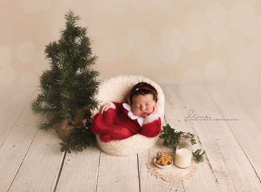christmas newborn 8