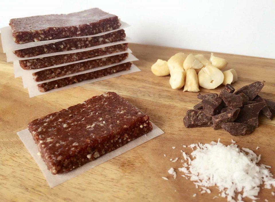 Easy-Chocolate-Slice