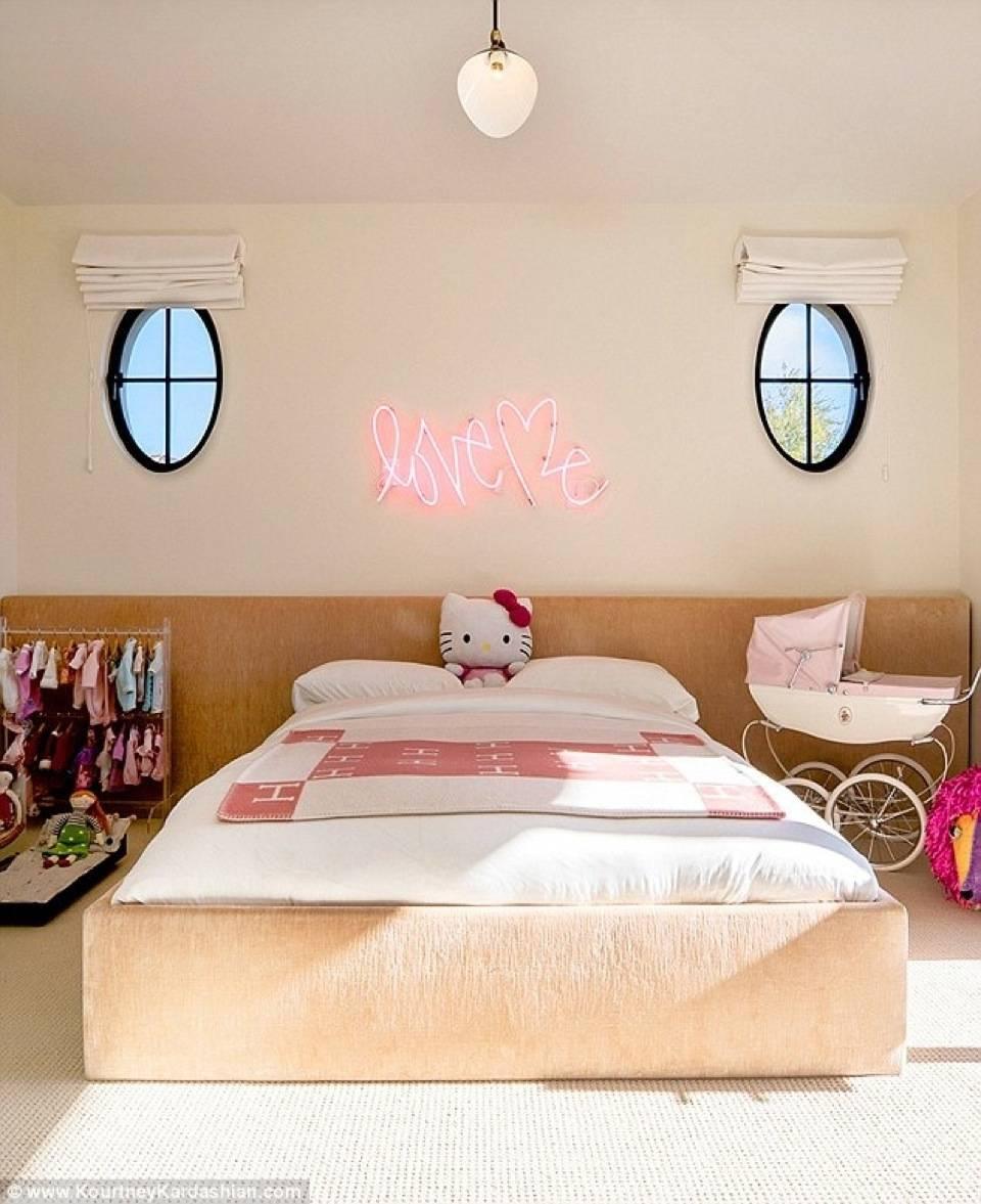 Penelope Disick's room