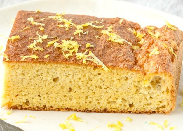 Four ingredient healthy lemon cake