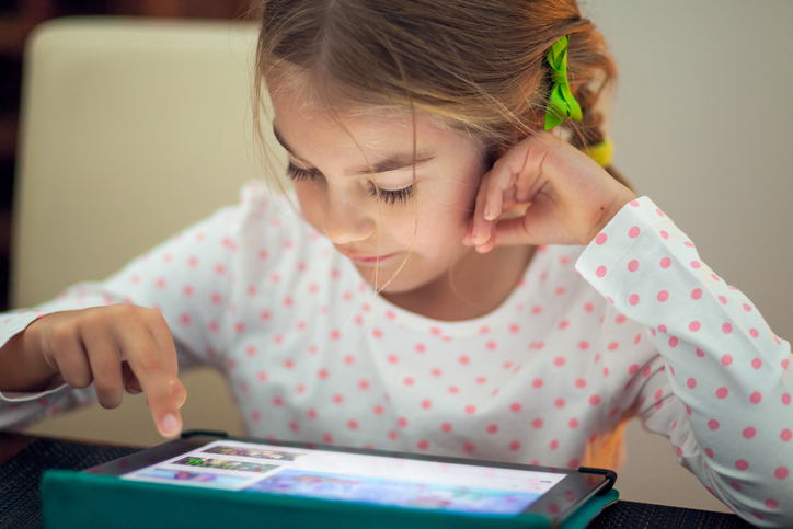 What You MUST Know When Sending Kids To School With A Digital Device