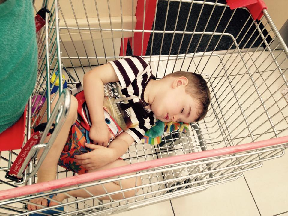 funny-places-kids-fall-asleep-shopping-cart