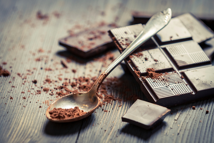 GOOD NEWS CHOCOLATE LOVERS: Snacking On Dark Chocolate Can Help IMPROVE Your Workouts!