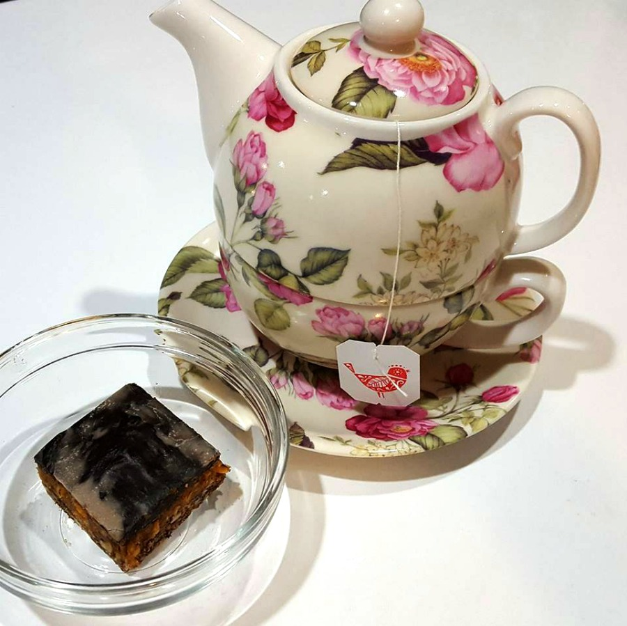 Sara Wann_Teapot and Snack-2
