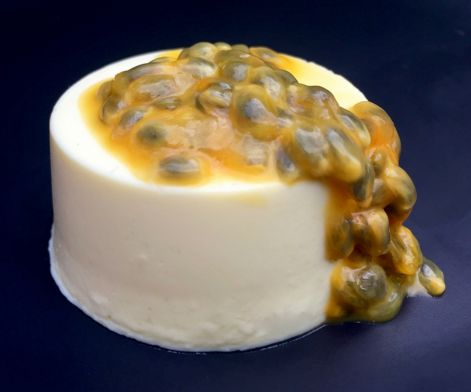 2 ingredient passionfruit panacotta