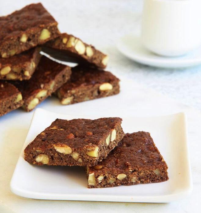 Chocolate_Almond_Slice_002_MC_LR_preview