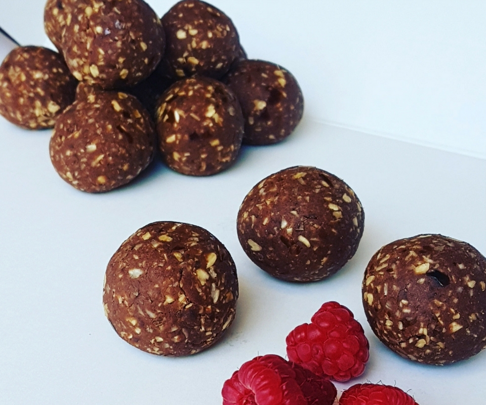 Raspberry ripe bliss balls just 91 calories