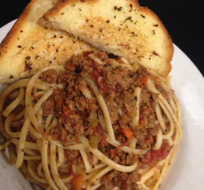 garlic bread and bolognese