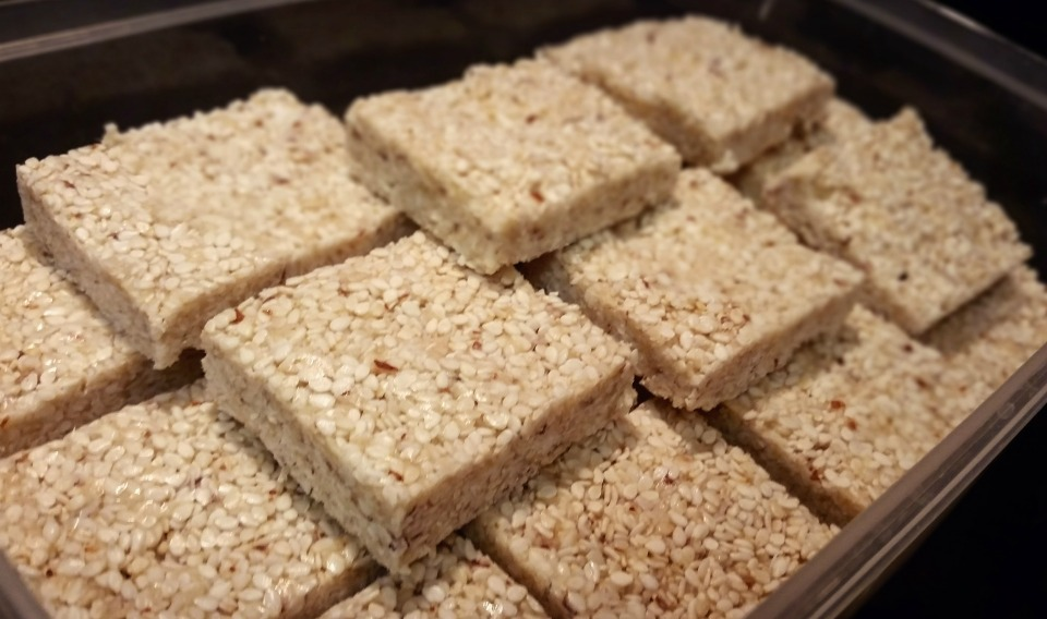 homemade sesame bars