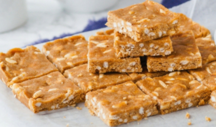 5 Ingredient Raw Peanut Butter Bars