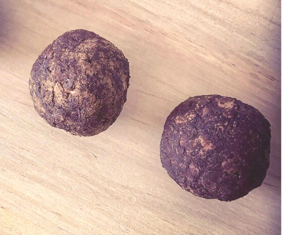 Cashew choc mint protein balls just 80 calories
