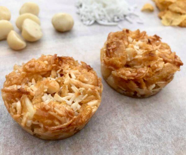 5 ingredient crunchy coconut & macadamia bites