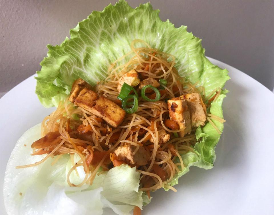 Tofu san choy bow