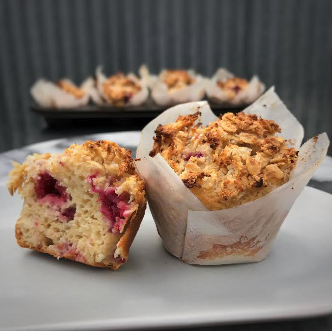 raspberry and apple crumble breakfast muffins